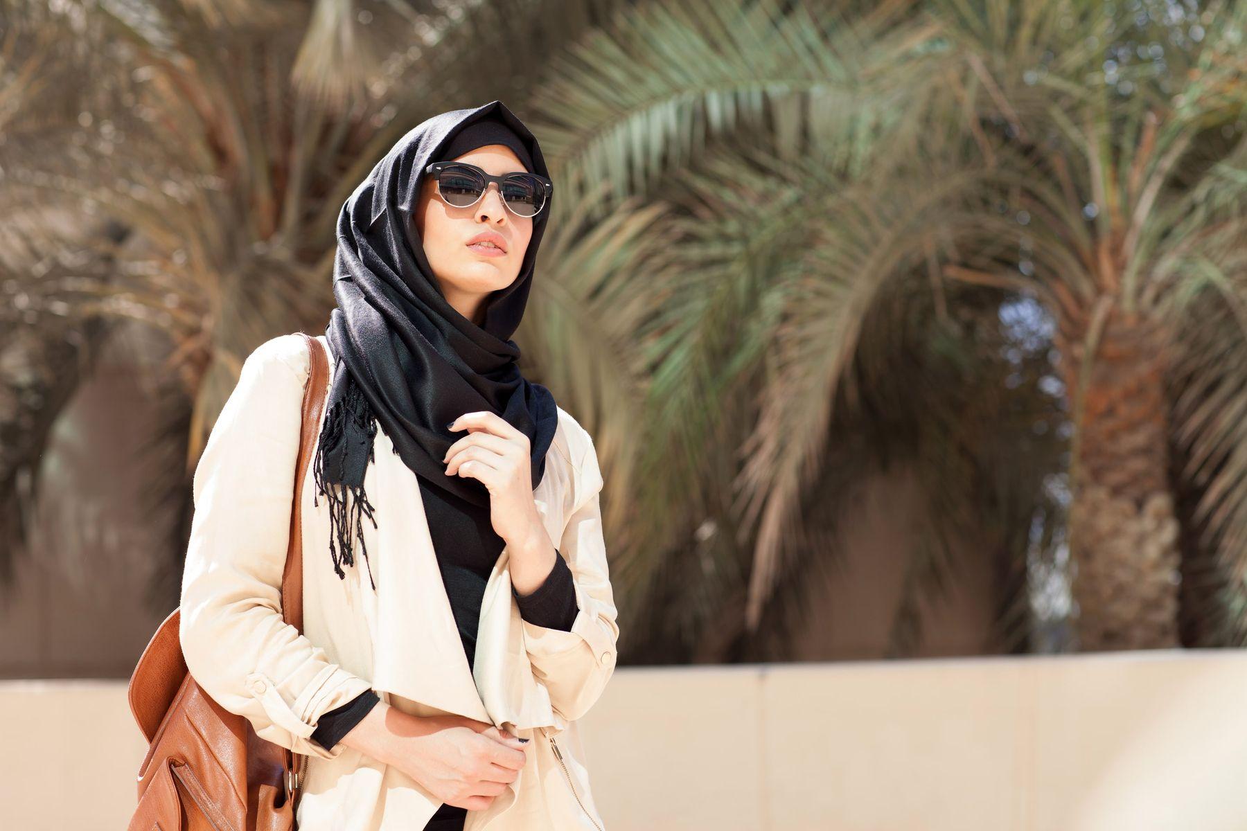 Mengenal Berbagai Model dan Cara Merawat Jilbab Instan