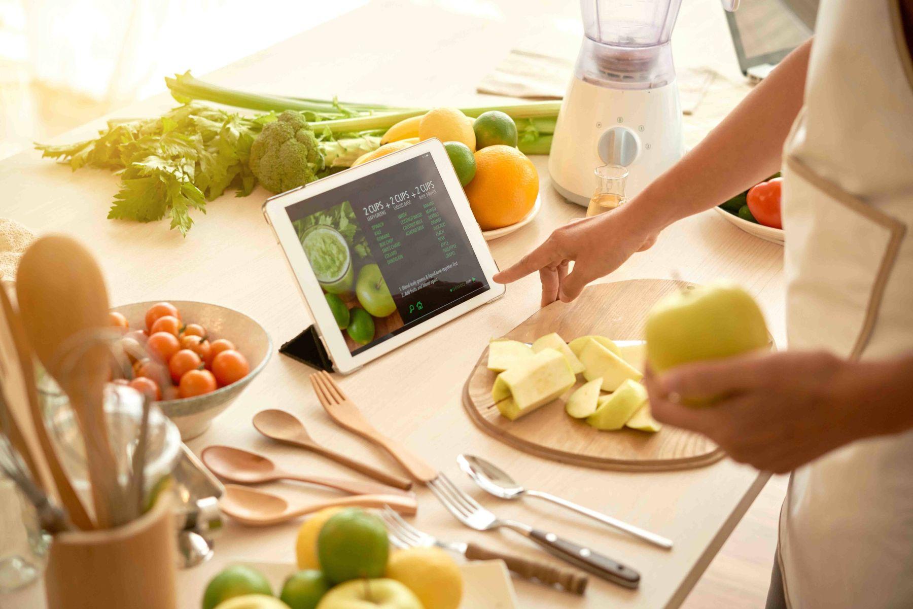 Lên thực đơn trước cho bữa ăn để tiết kiệm thời gian