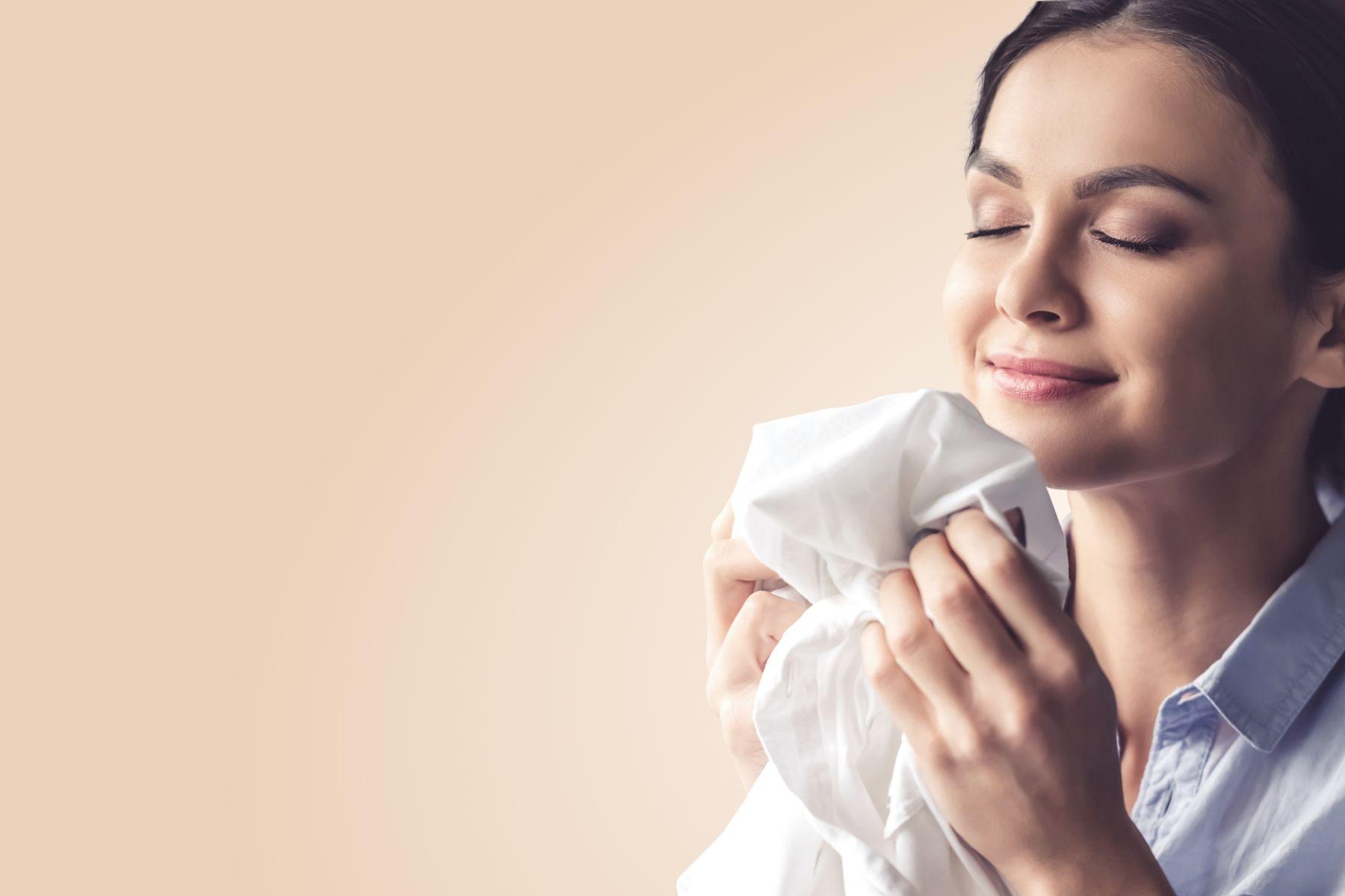 [2021] Top 9 Nước Xịt Thơm Quần Áo Khử Mùi Hiệu Quả Được Yêu Thích