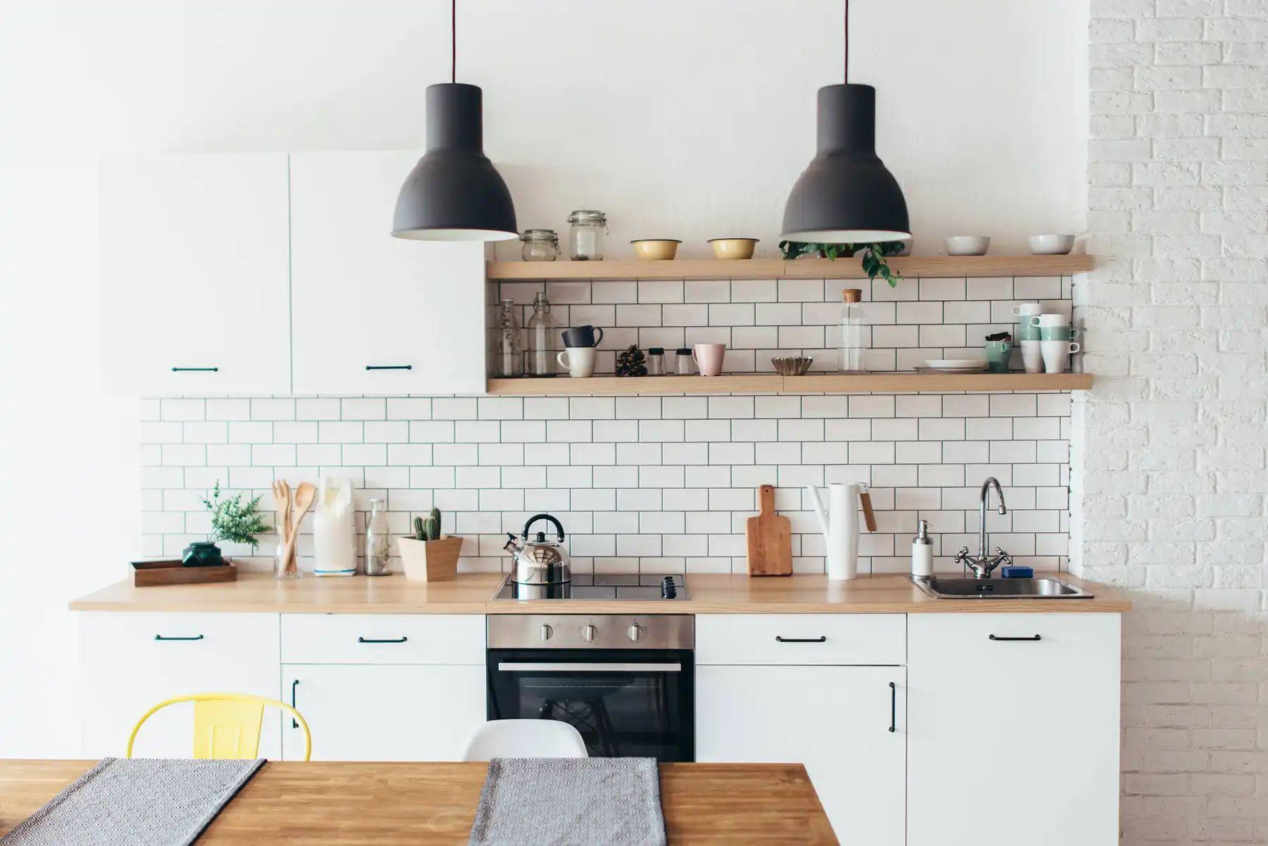 Trang trí phòng ăn đẹp bằng những vật dụng trong nhà bếp