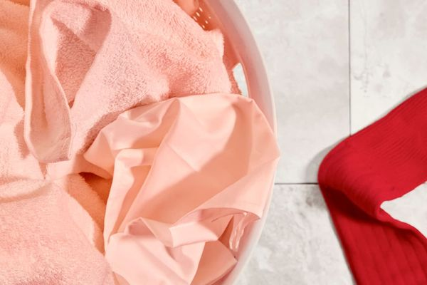 how to remove pink stains from white clothes