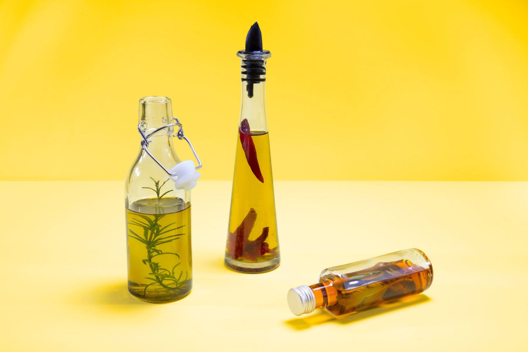 Cam şişelerde zeytinyağı