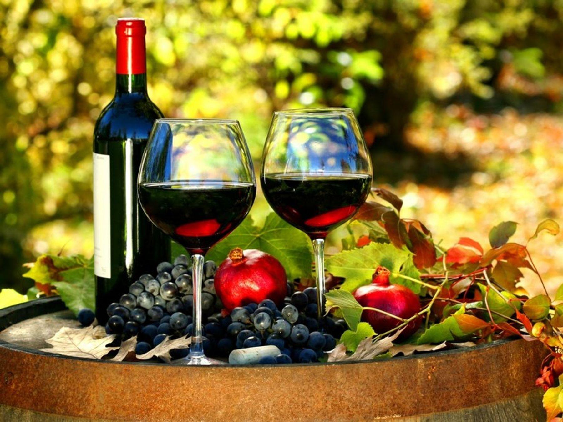 bí quyết làm đẹp từ rượu vang