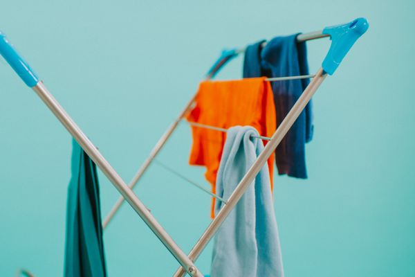 Como lavar roupa de academia e tirar o cheiro de suor com vinagre