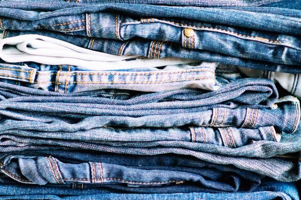 How to Wash Jeans | Cleanipedia