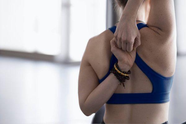 Những lỗi trang phục tập yoga mà nàng cần lưu ý
