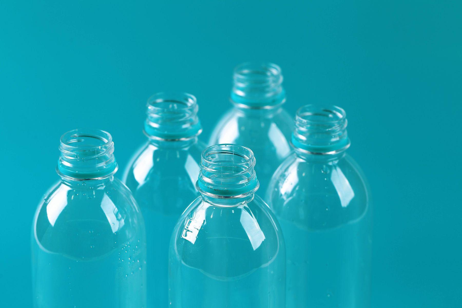 Nhựa tái sinh và nhựa nguyên sinh phân biệt thế nào?