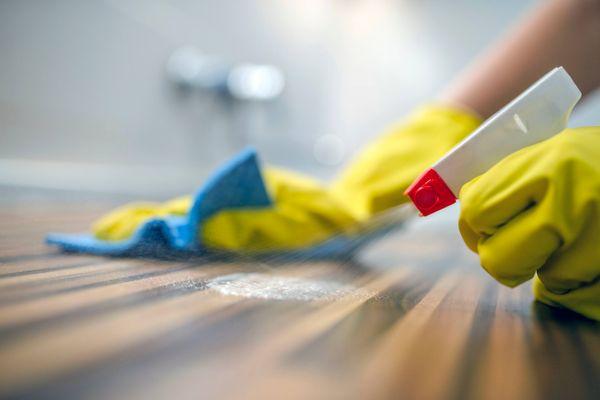 Bạn đã vệ sinh bề mặt bếp trước khi nấu nướng chưa?