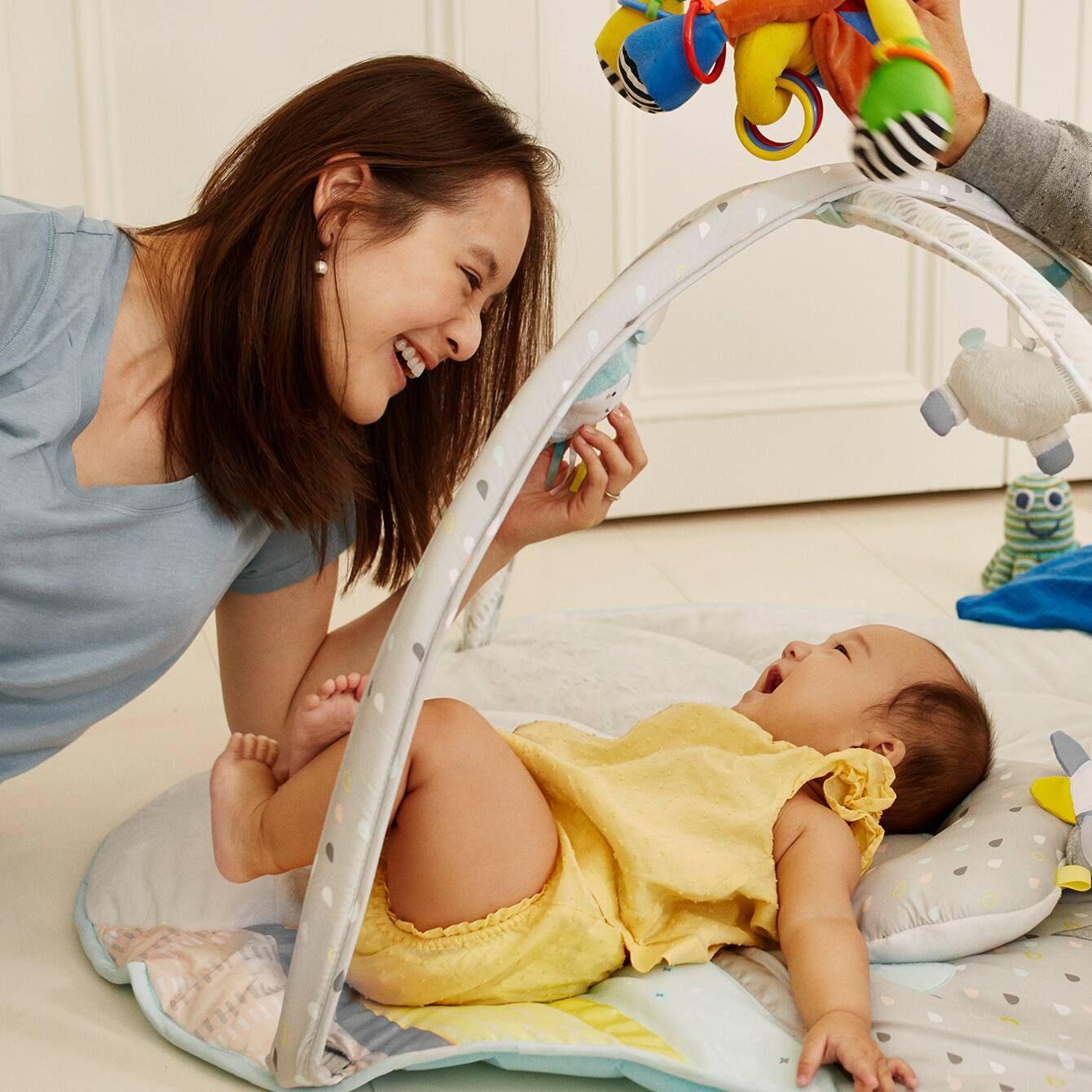 trẻ sơ sinh 3 tháng tuổi