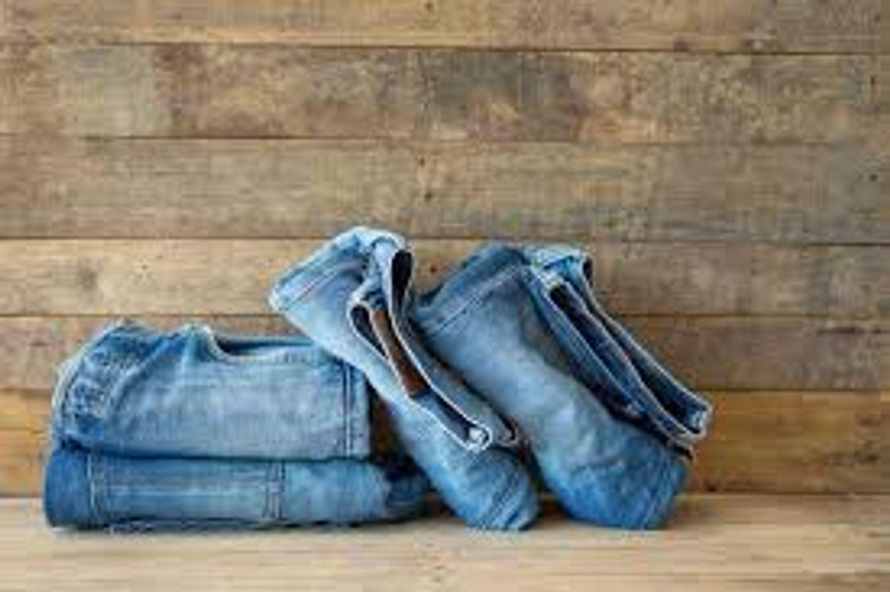 Cách giặt quần jean với máy giặt đúng cách