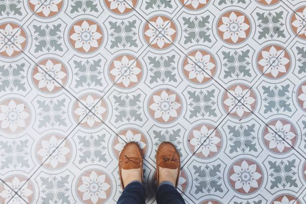 Here's how you can remove black stains from your mosaic flooring!