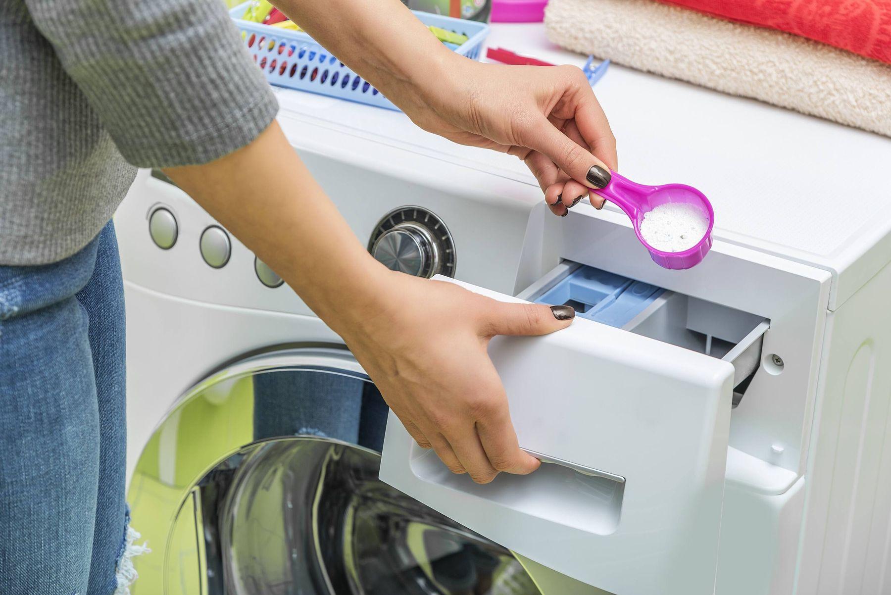 Çamaşır Makinesine Nasıl Deterjan Konur?
