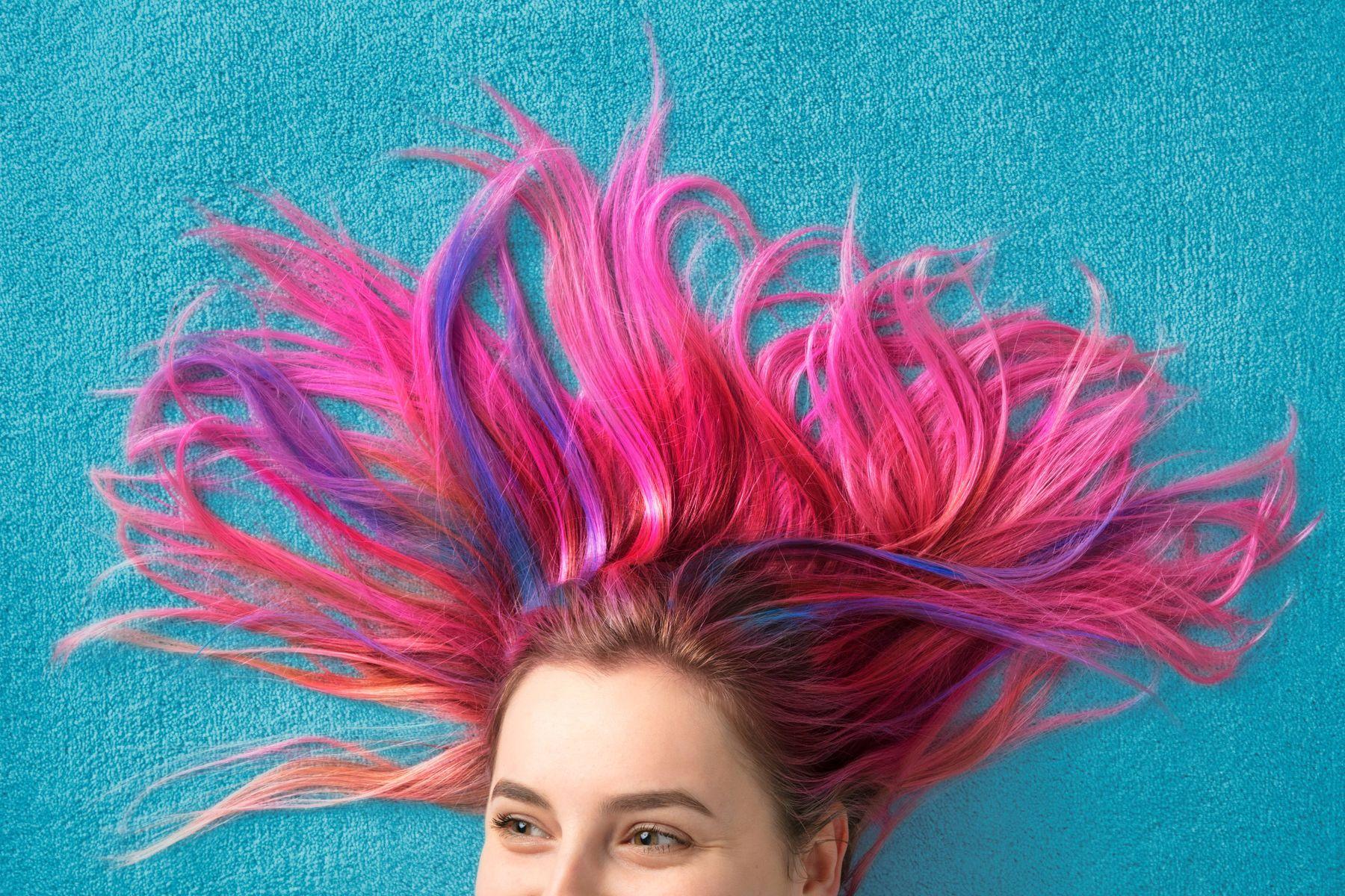 rambut warna fuchsia dan ungu