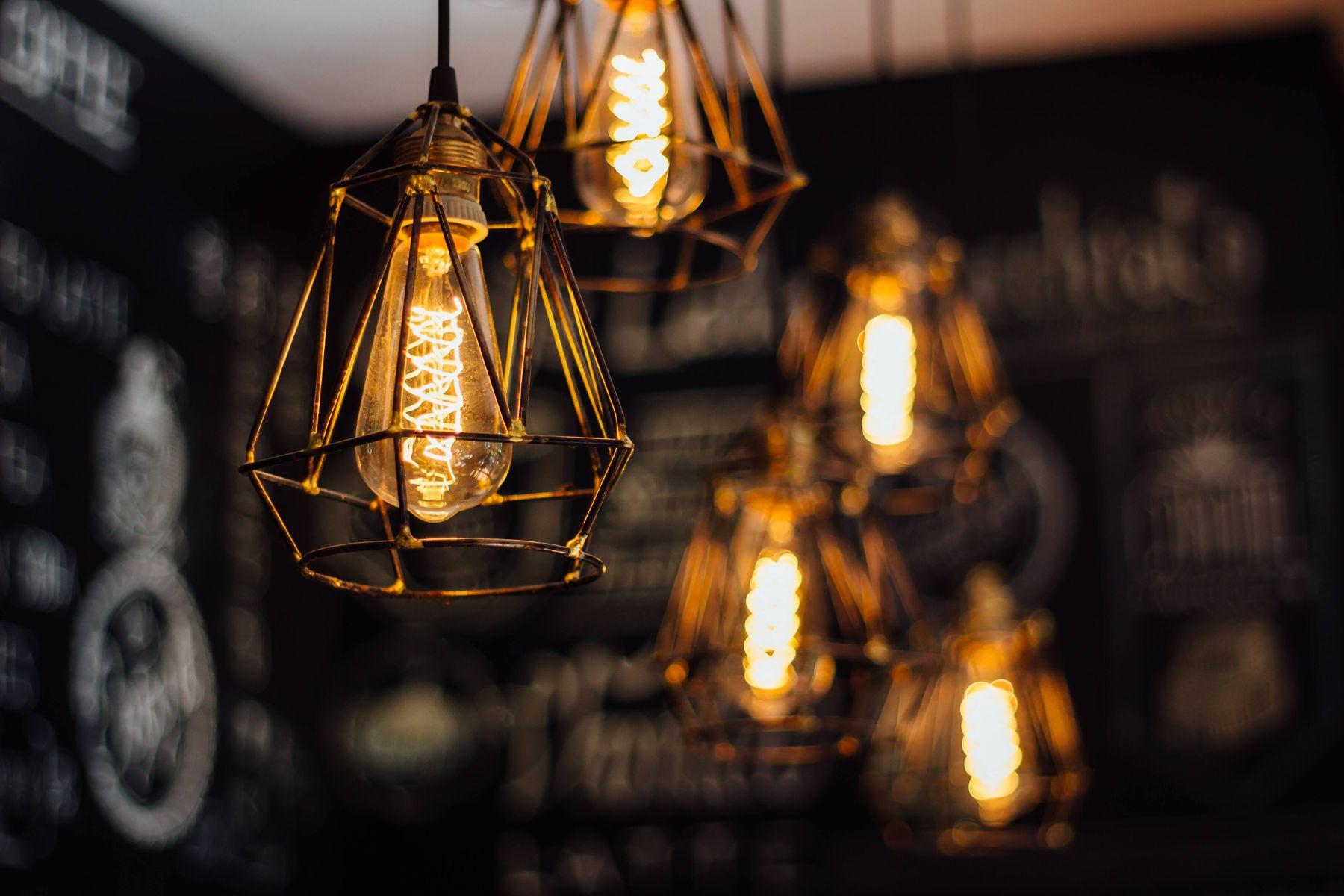không bật điện quá mức để tiết kiệm điện