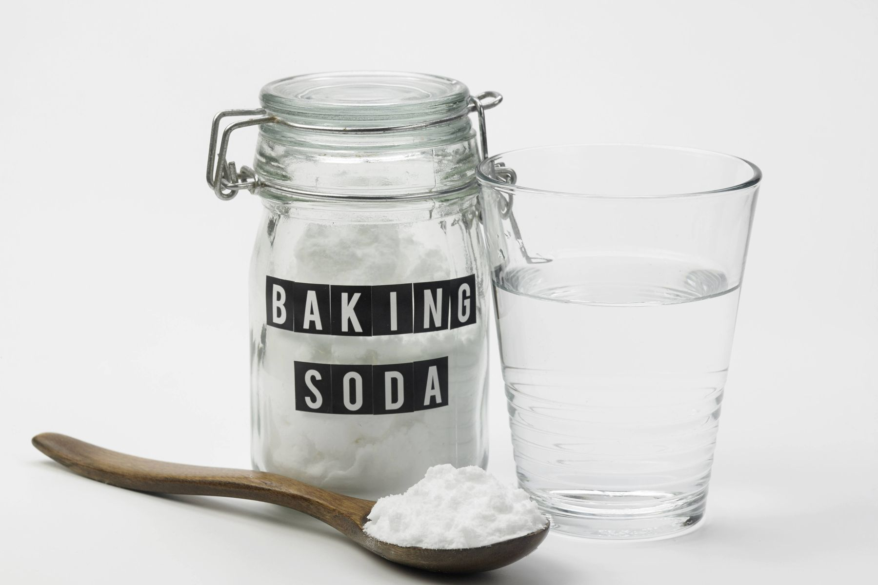Will bicarbonate of soda get rid of smells?