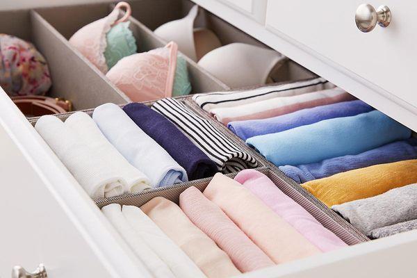 cách xếp quần áo gọn gàng vào tủ