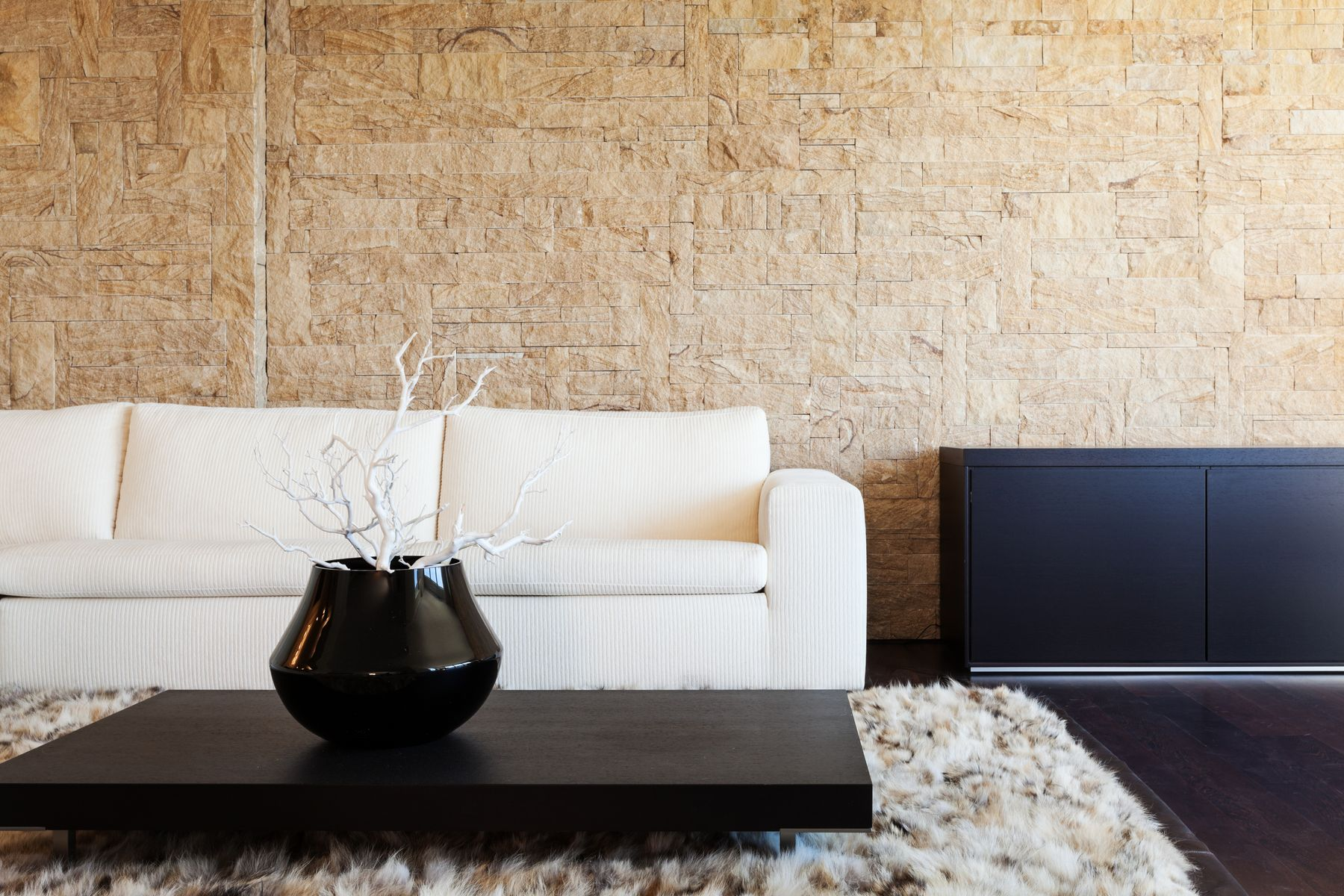 How to Clean Oil Stains from Your Stone Walls