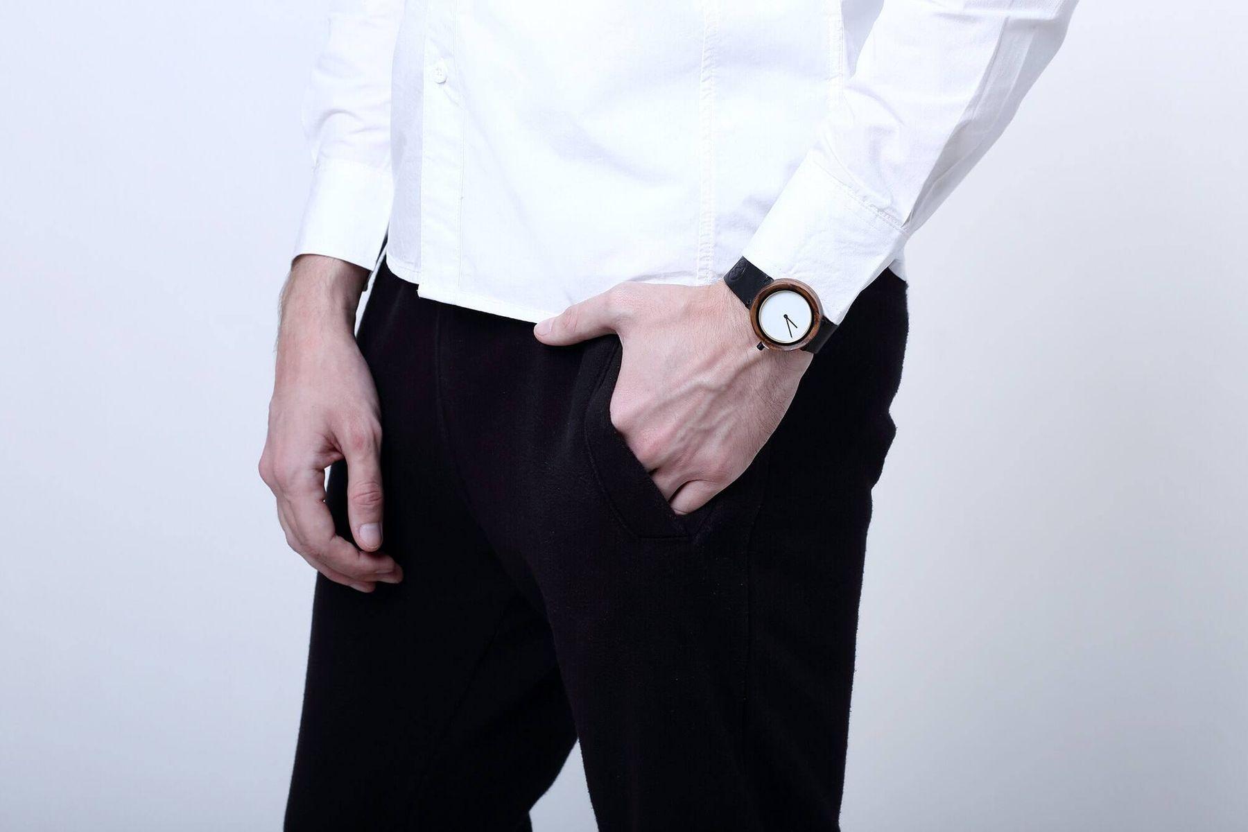 Tẩy trắng dây da đồng hồ với nguyên liệu dễ tìm
