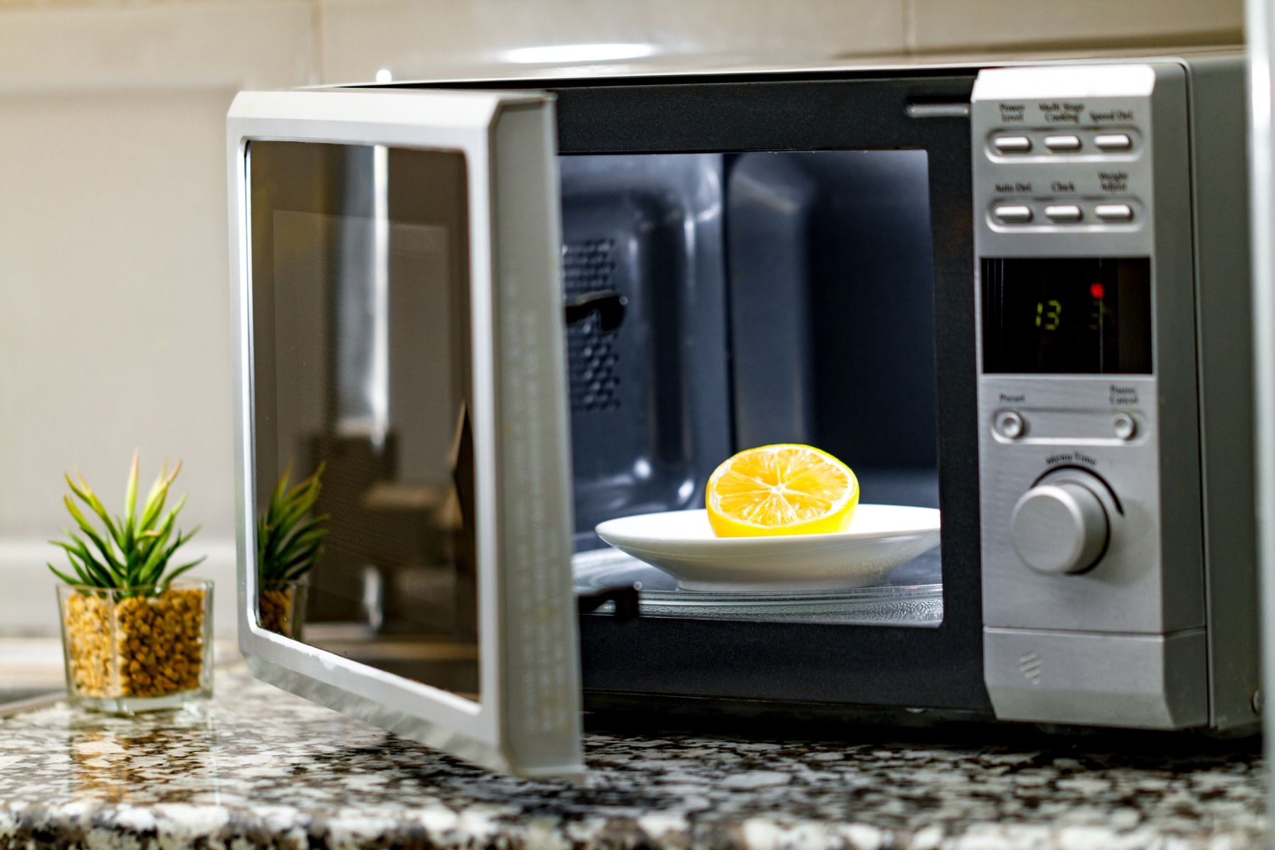 Tops Tips to Clean and Maintain Your Microwave