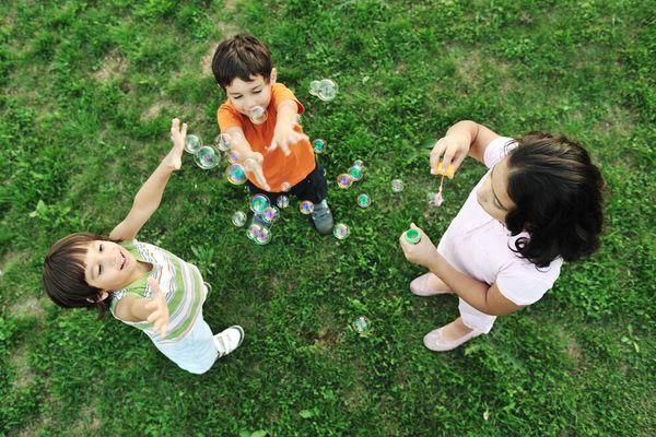8 nguyên tắc dạy con làm việc nhà mẹ có thể áp dụng từ Tết này