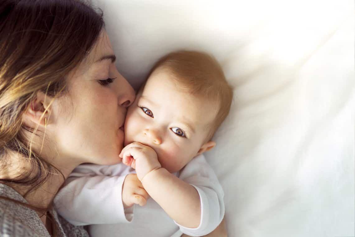 Bệnh viêm phổi ở trẻ em tái đi tái lại là do 4 thói quen sau đây