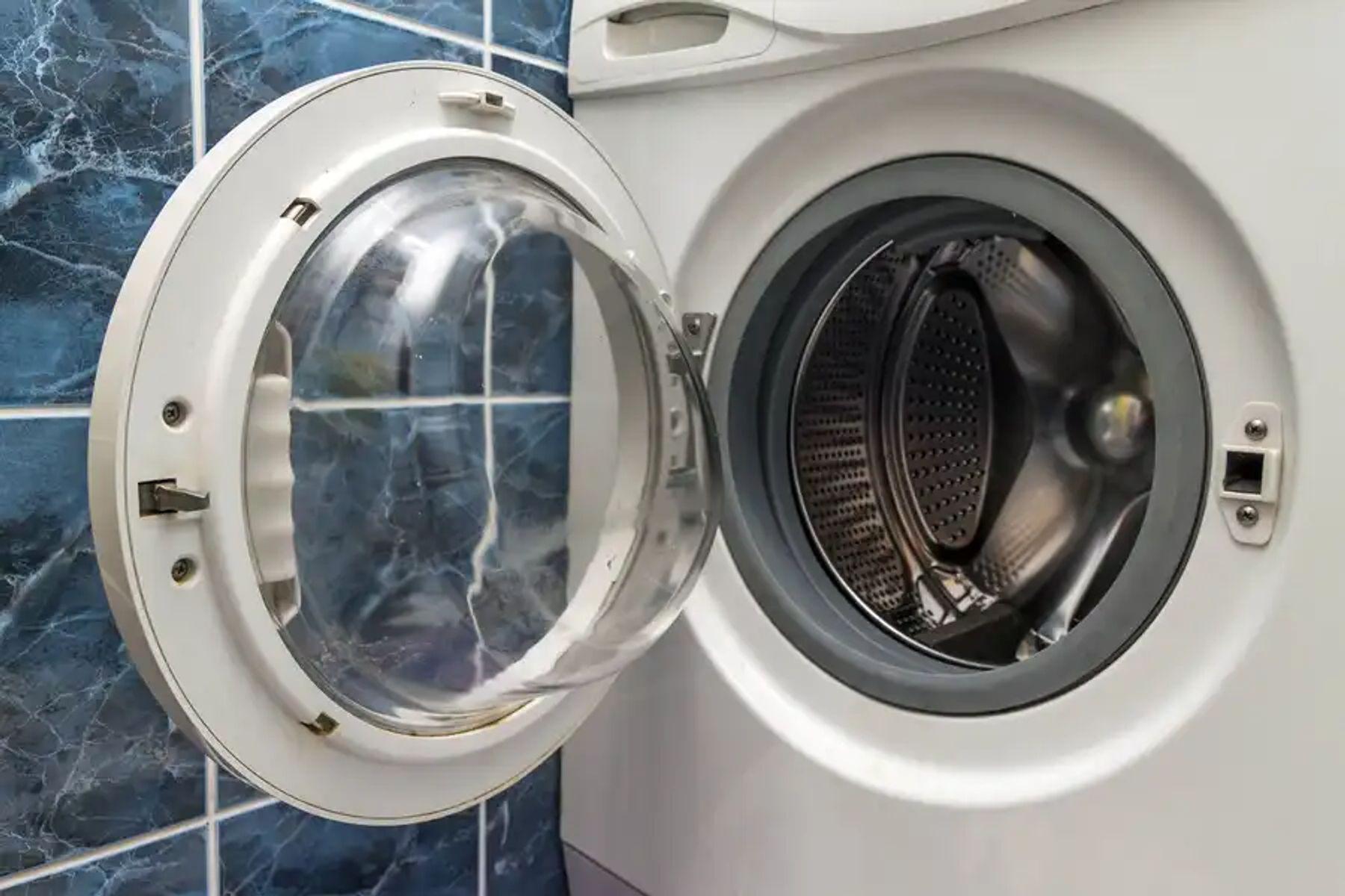 Những lý do bạn nên đầu tư tủ sấy quần áo