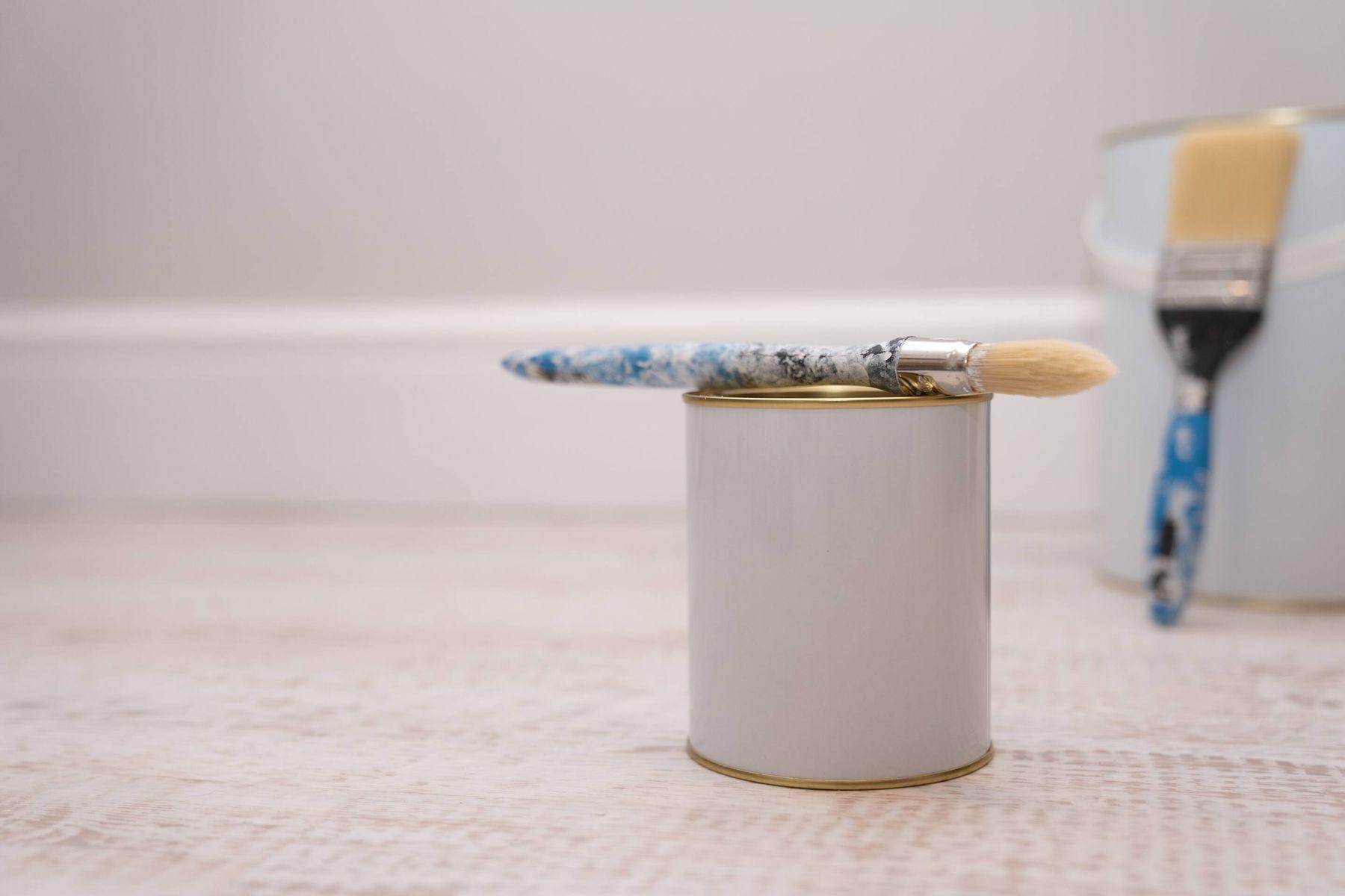 chuẩn bị dụng cụ sơn nhà