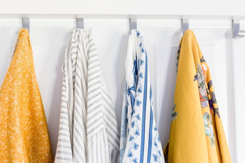 giặt quấn áo sau khi tắm