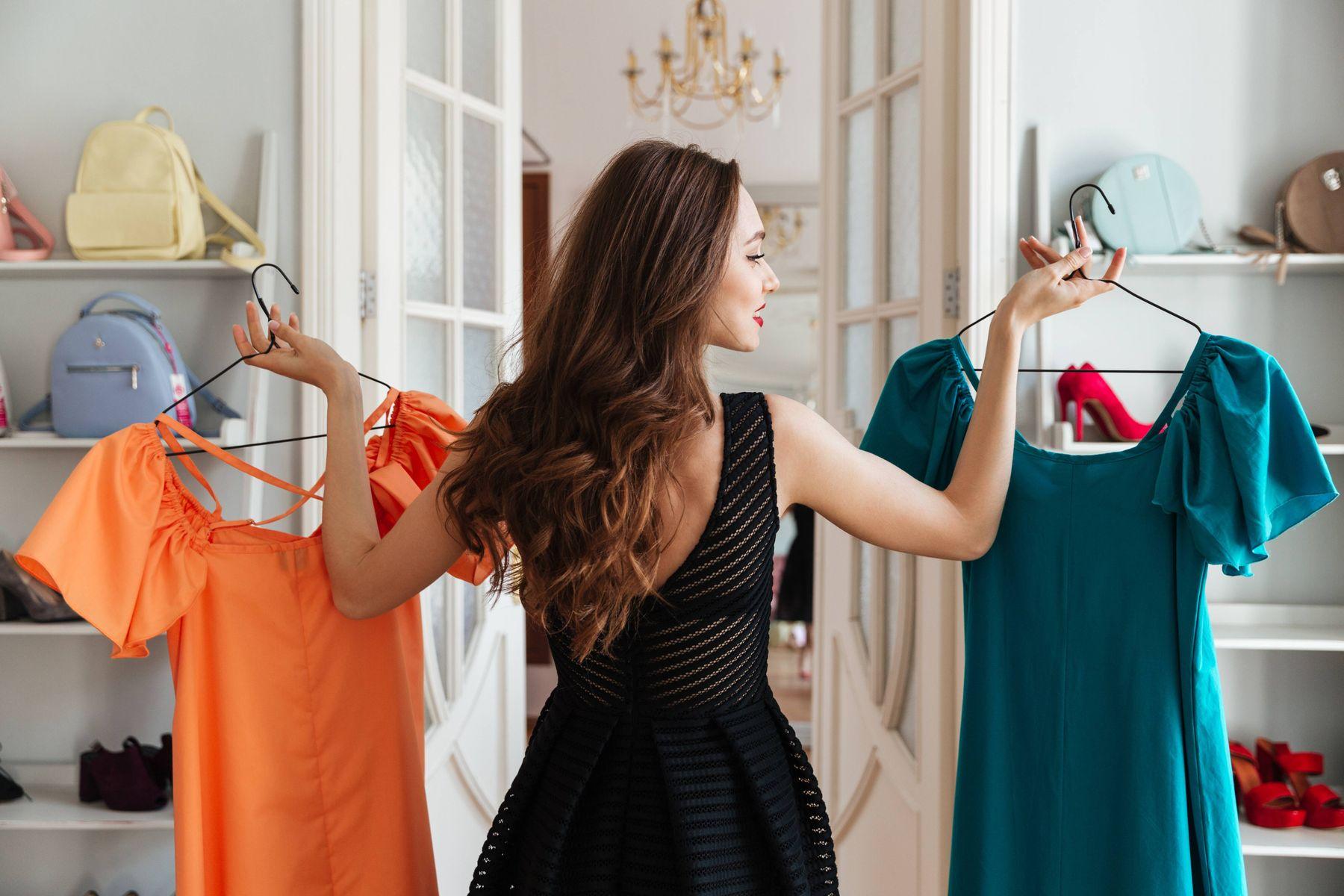 Mẹo bảo quản váy dạ hội luôn bền đẹp theo từng chất liệu