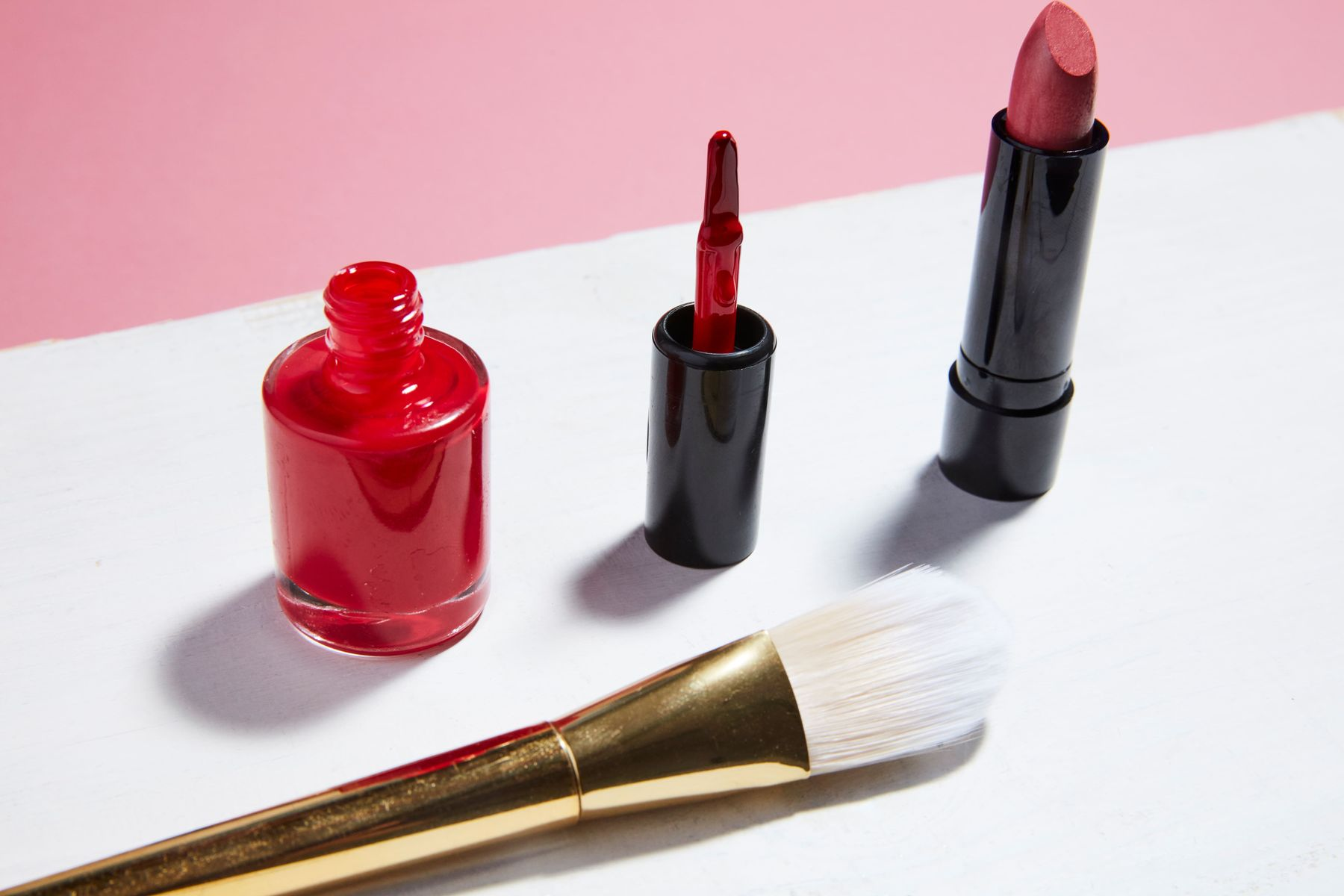 how to get lipstick out of clothes
