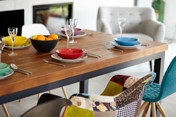 Are fresh hot dishes ruining the gloss of your wooden table?  Check out how to maintain the shine here!