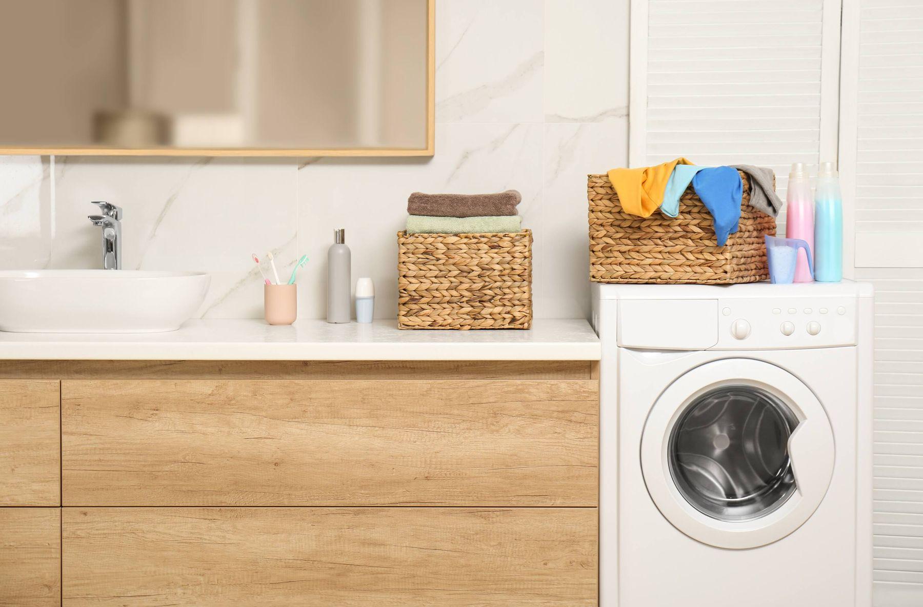 sử dụng sản phẩm giặt đồ phù hợp để hạn chế mồ hôi nách