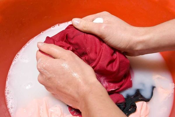 5 cách xử lý quần áo bị ra màu hiệu quả
