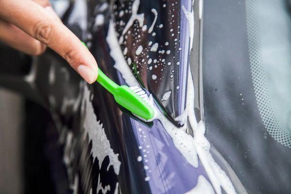 Cómo sacar rayones del auto
