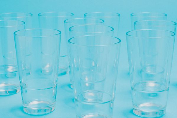 How to clean cloudy glasses and glassware