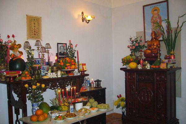 Những điều kiêng kỵ khi bày bàn thờ ngày tết