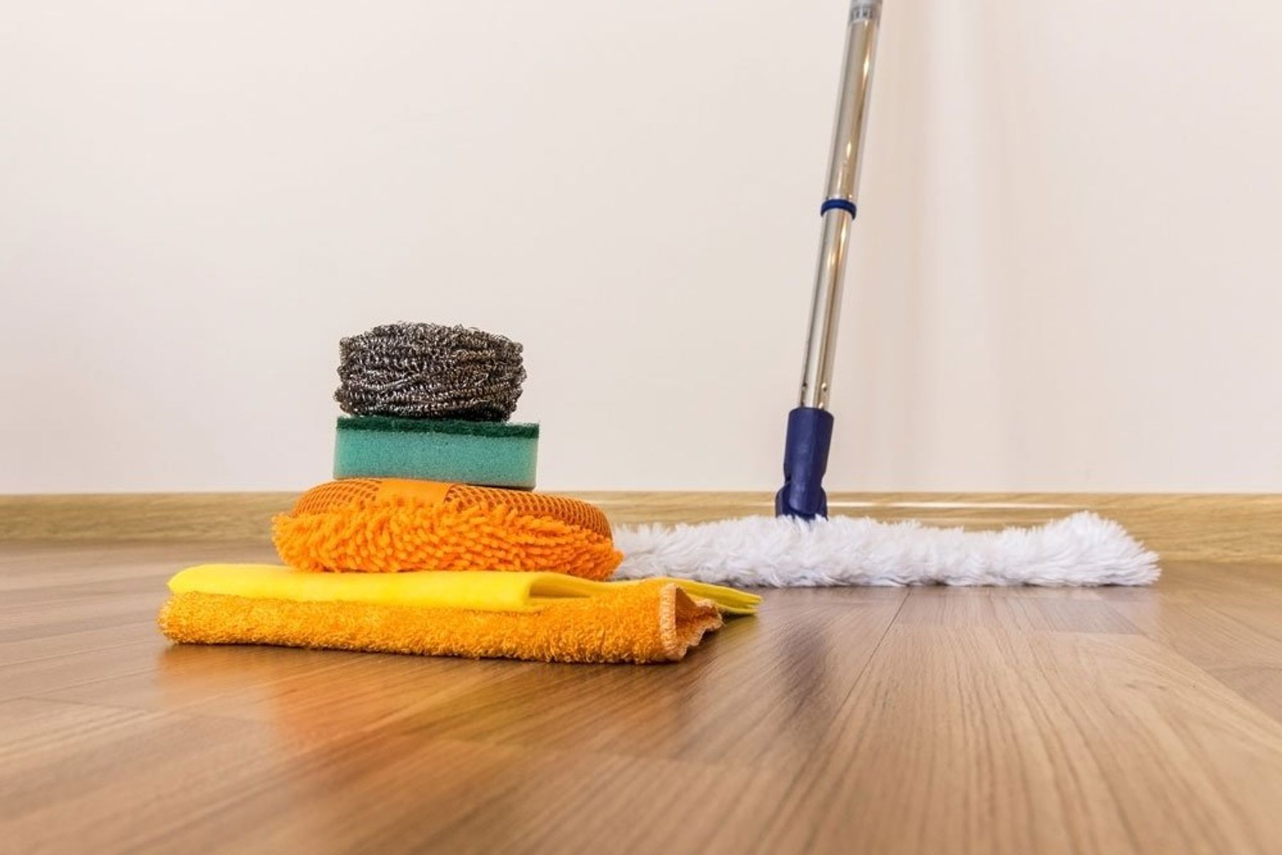 Step 9: Vệ sinh nhà cửa thường xuyên cũng là cách đuổi ruồi hiệu quả