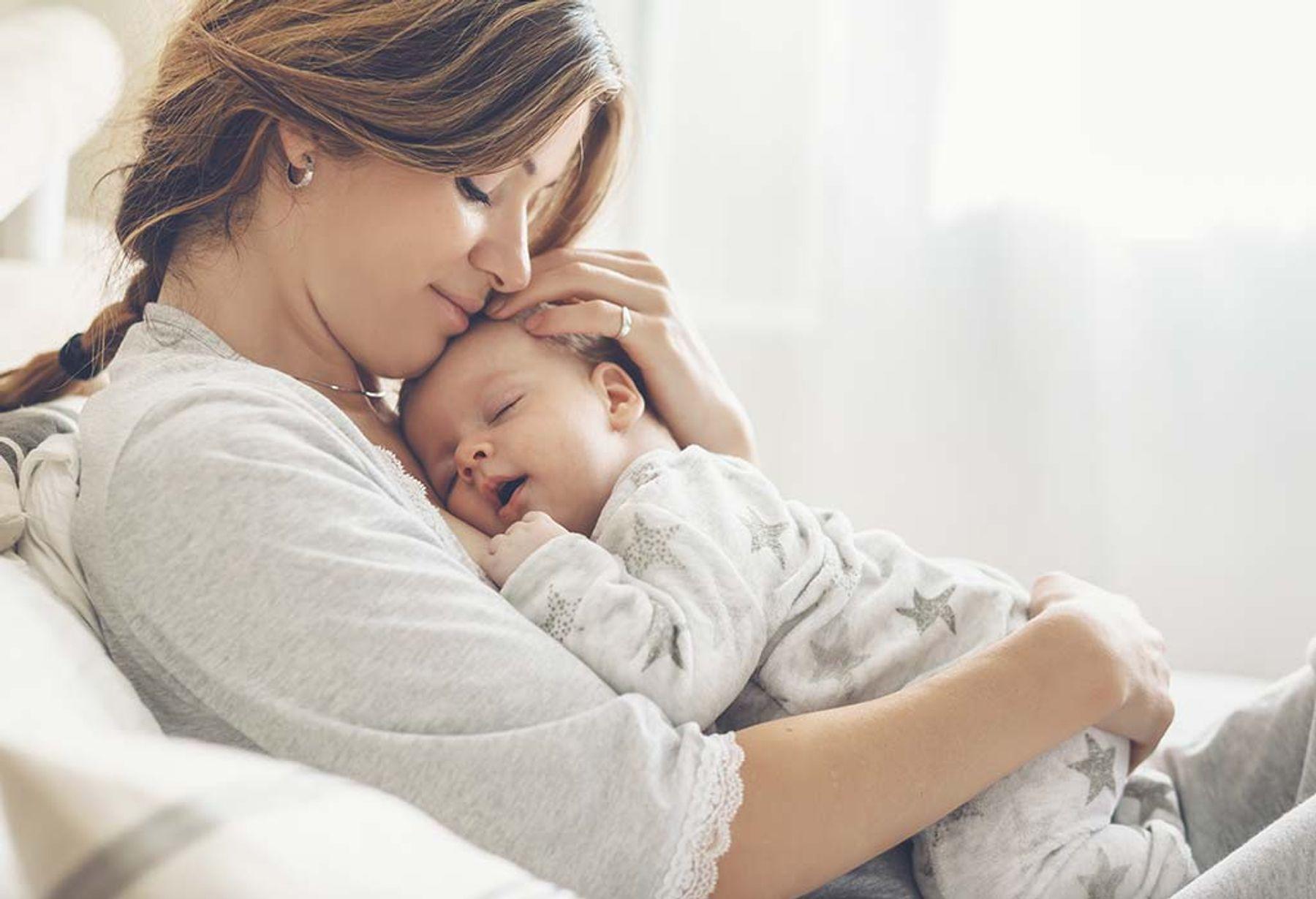cảm xúc lần đầu làm mẹ