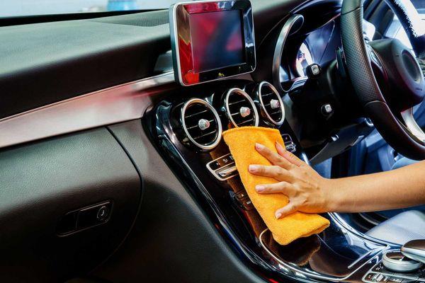 vệ sinh điều hòa ô tô