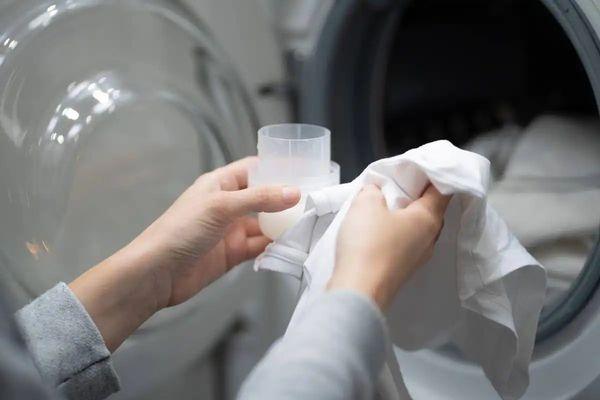 Cuánto jabón líquido se pone en el lavarropas