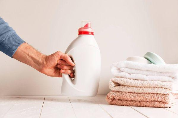 Bạn sẽ bất ngờ khi biết 4 công dụng này của nước giặt