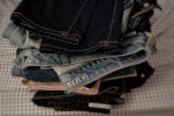 3 Cách bảo quản quần jean tránh bị giãn nhanh