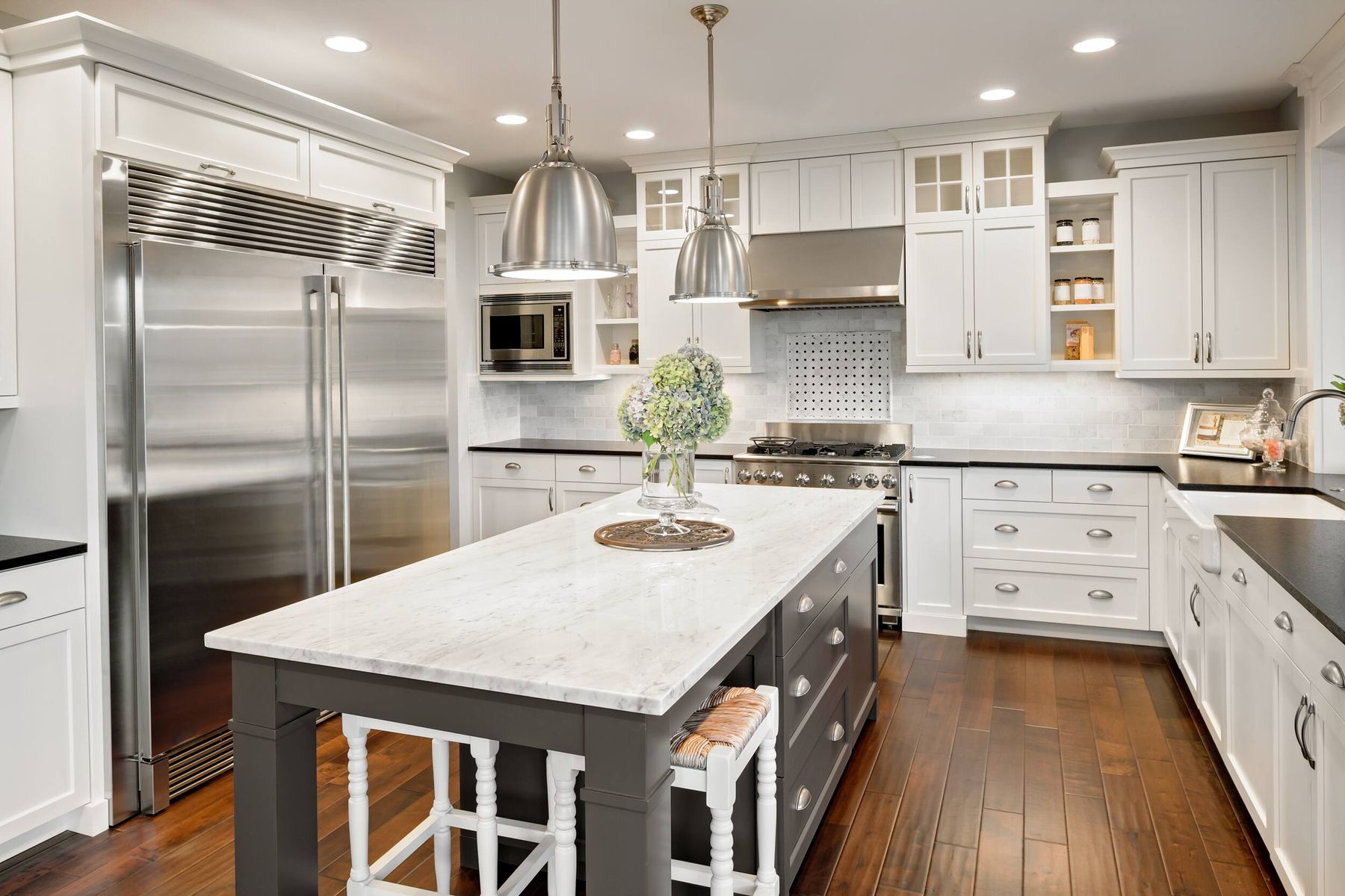 How to Remove Oil Stains from Kitchen Surfaces | Cleanipedia