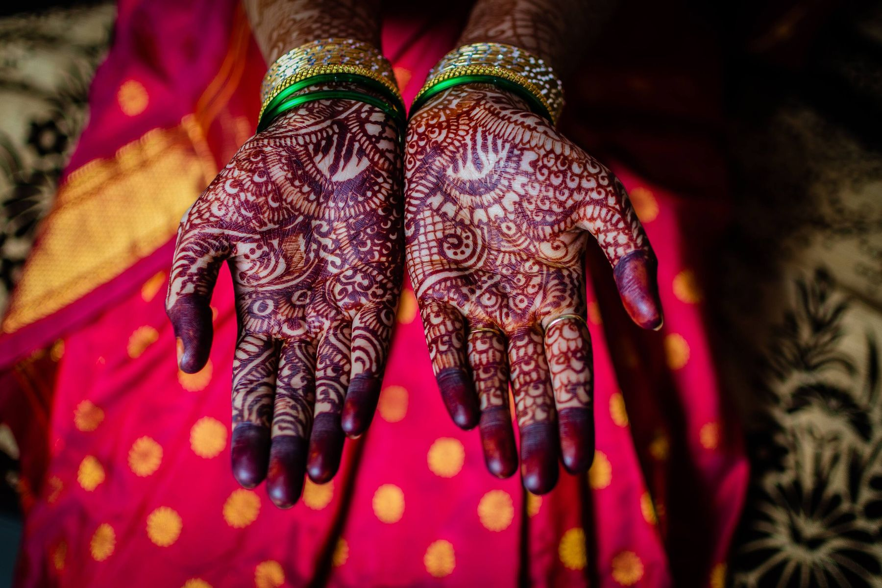 Tips and Tricks to Remove Henna Stains From Your Expensive Wedding Saree