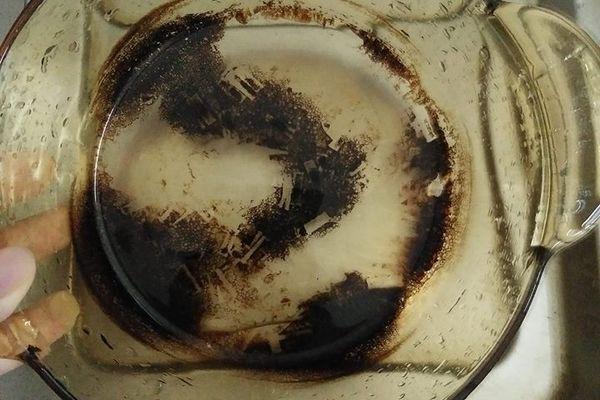 Làm gì khi nồi thủy tinh bị cháy đen?