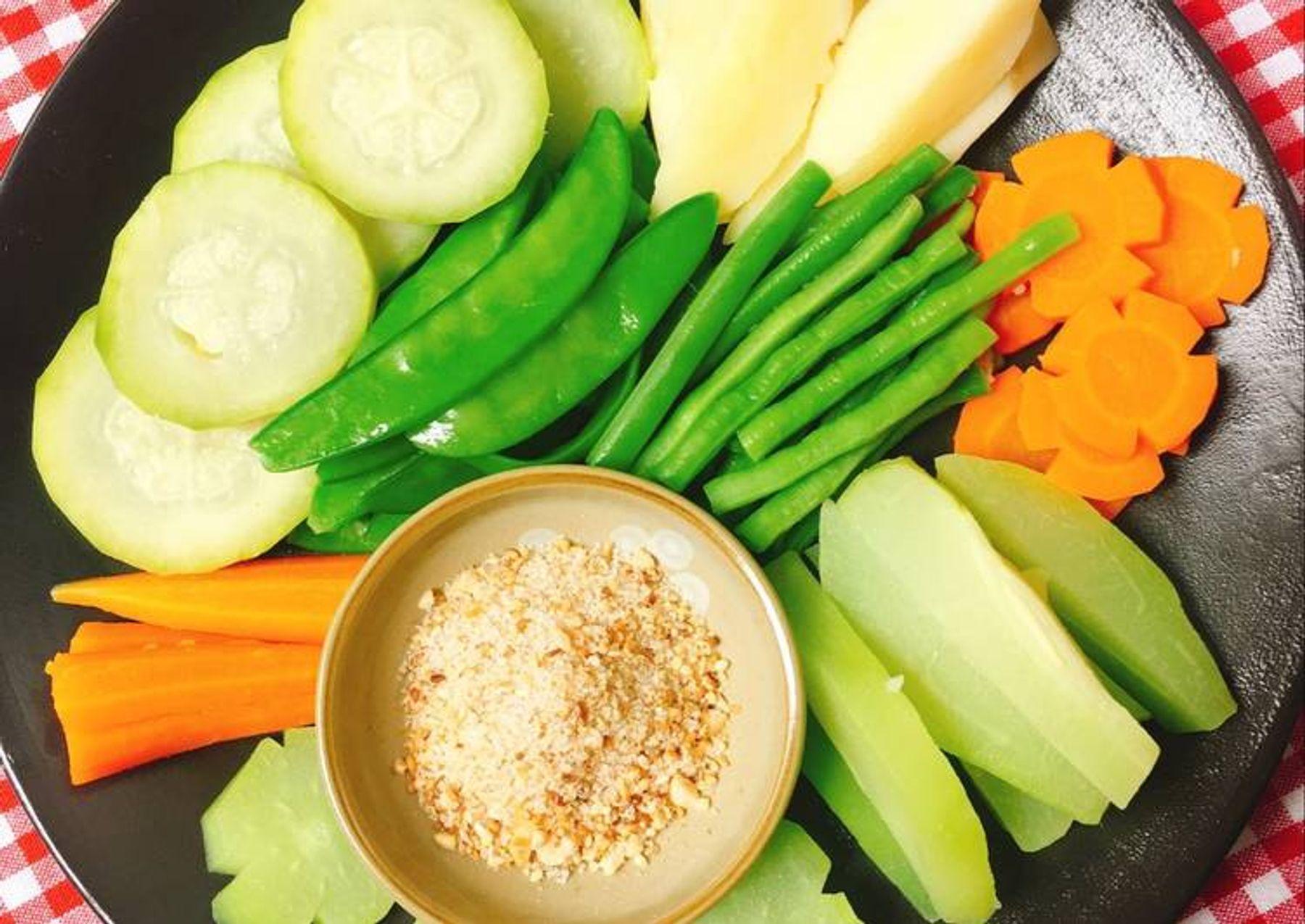thực đơn dinh dưỡng với rau củ quả luộc