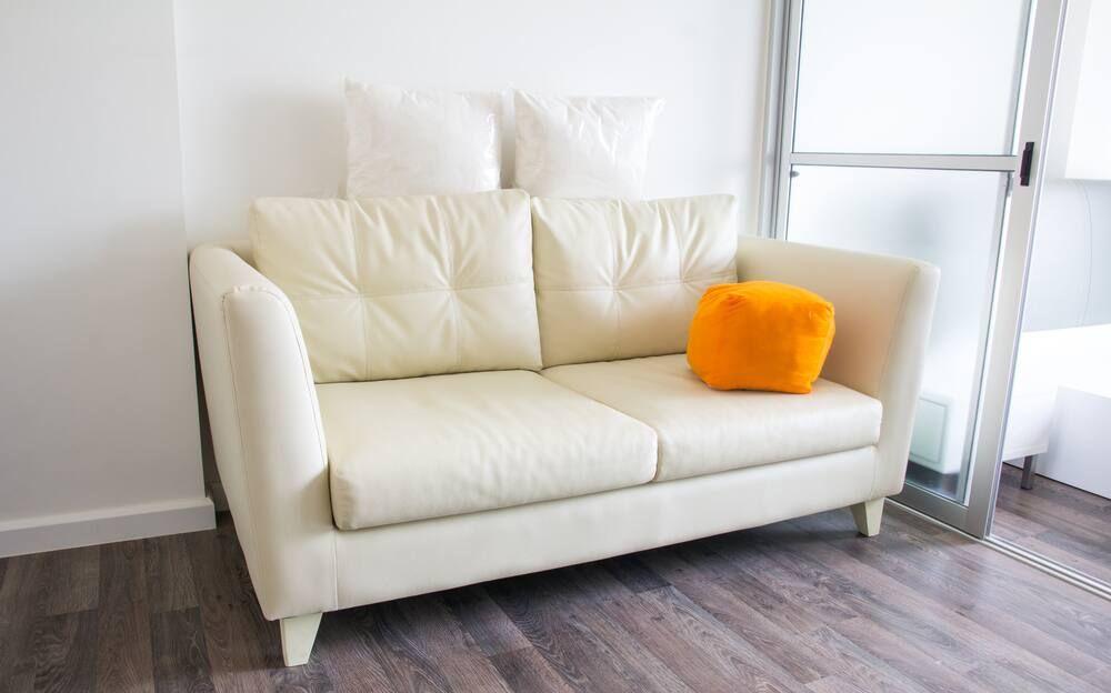 Ide Sofa Minimalis untuk Ruang Tamu Kecil dan Rumah Mungil