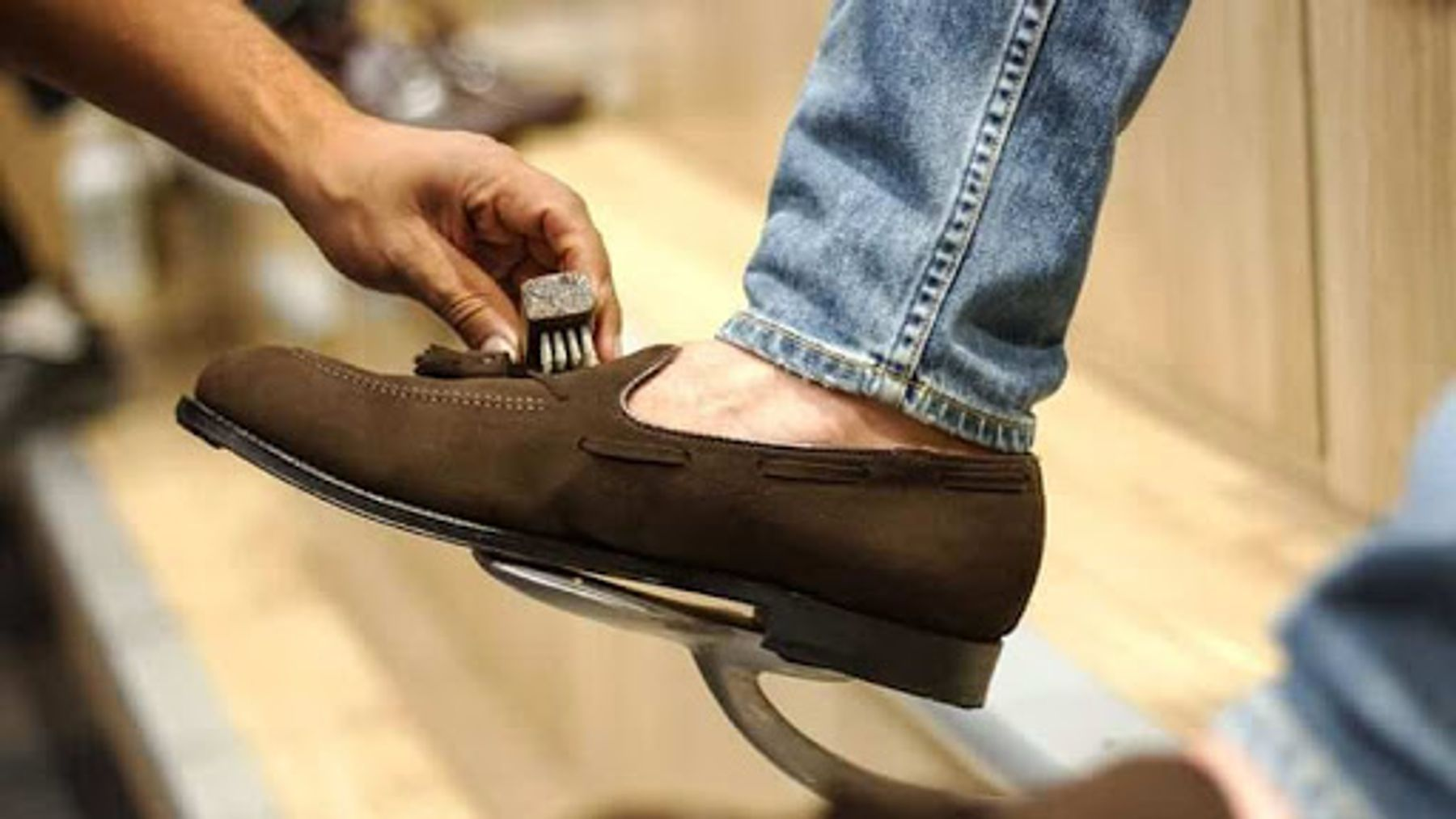 #3 Lưu ý khi vệ sinh giày da bạn cần biết
