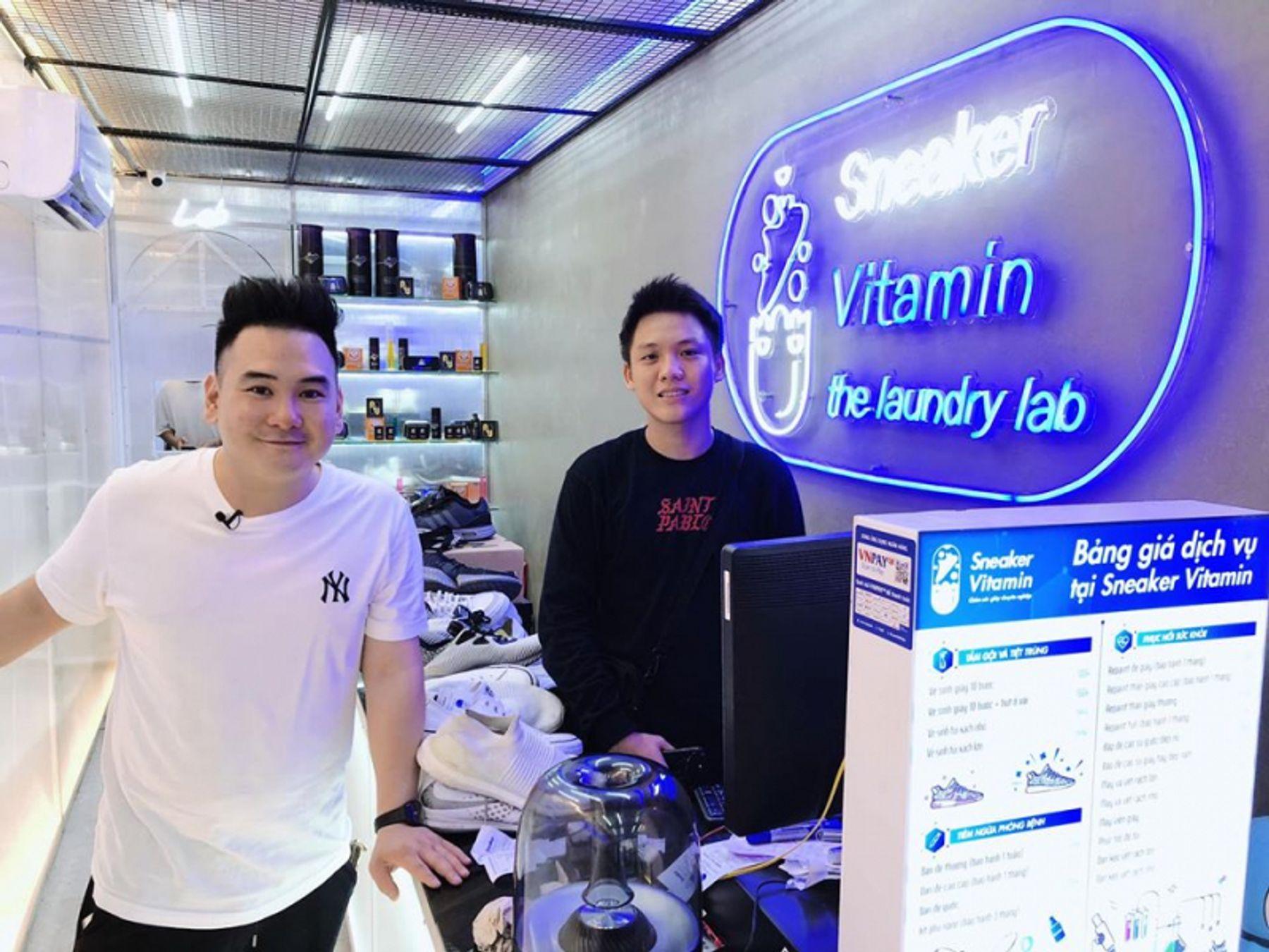 Dịch vụ giặt giày Sneaker Vitamin - Chăm sóc giày chuyên nghiệp quận 3