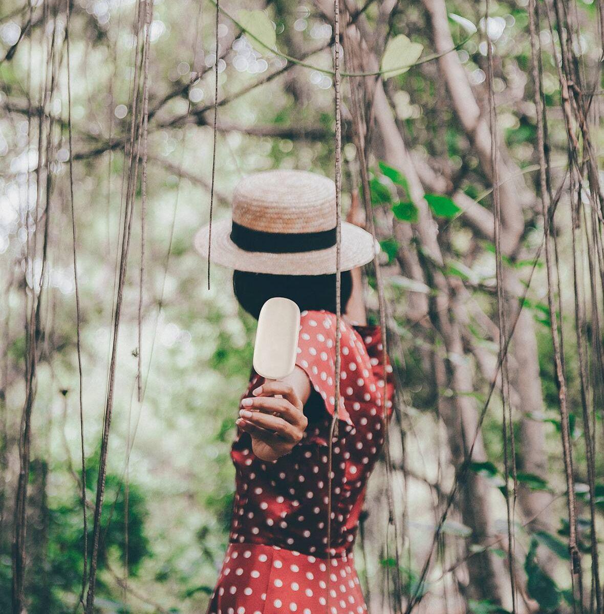 5 tips cho áo quần luôn mềm mại, bền màu, thách thức ánh nắng chói chang
